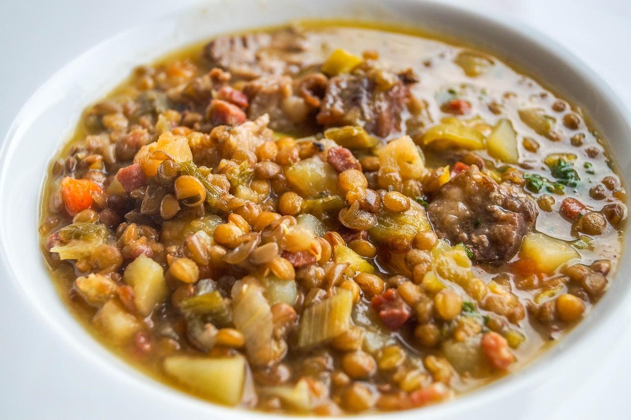 Indická čočková polévka