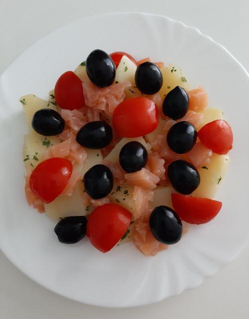 Letní salát s lososem